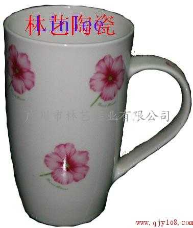 餐具,陶瓷杯碟,陶瓷花插,陶瓷台灯,陶瓷人物,陶瓷动物等日用陶瓷,美术