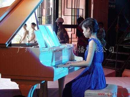 广州提供萨克斯表演 沙画 大中小提琴 女子钢琴 素琴图片