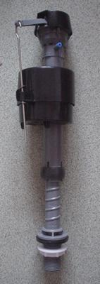 科勒马桶水箱不进水 科勒抽水马桶维修 科勒进水阀失控漏水 科勒排水图片