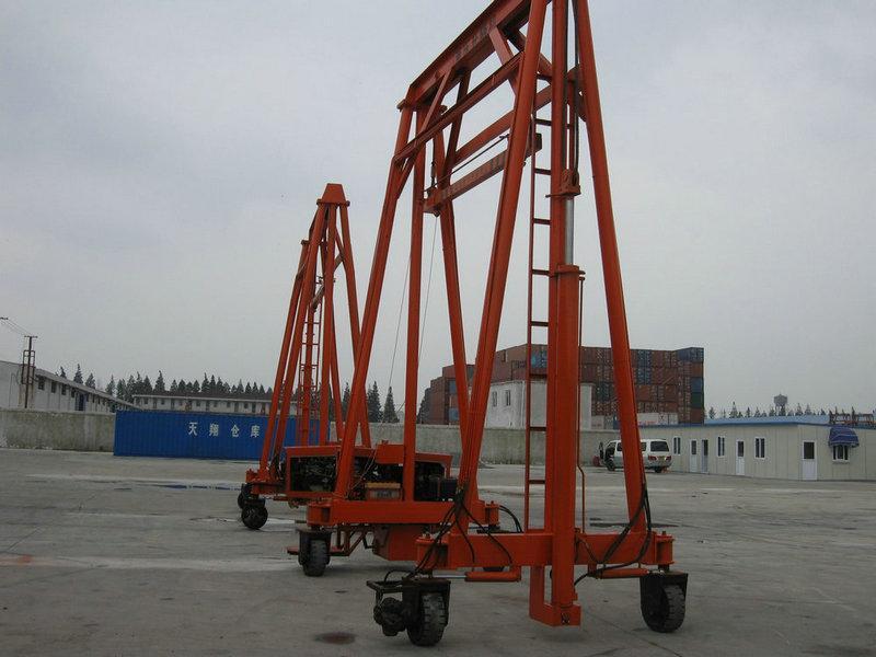 供应供应门式起重机,上海亦贵实业专业集装箱液压升降图片