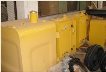 挖掘机水箱,挖掘机液压油散热器,挖掘机油箱图片