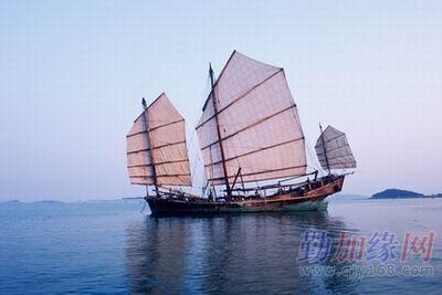 勤反加盗缘版(11月10)     木帆船,就是木质结构的船,主要有桅,帆,舵