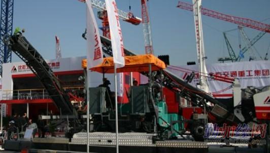 北方交通起重机 泵车 铣刨机 旋挖钻机 矿用掘进机维修 液压图片