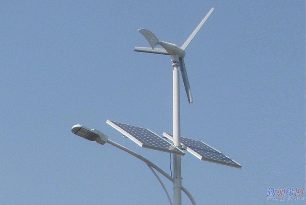 北京天赐英利供应风光互补太阳能路灯图片