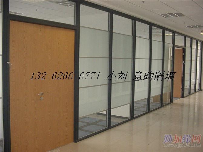 1100 平方米 隔断玻璃有边铝和无边框玻璃隔断上海卢立生产活动空间墙
