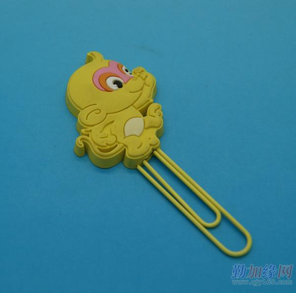 本产品为可爱动物头回形针,用于夹纸.