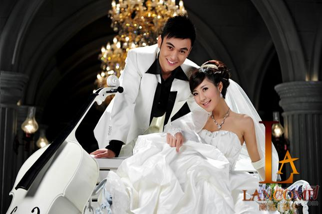 婚纱拍多少钱_天津拍婚纱照要多少钱|兰蔻婚纱摄影排名好