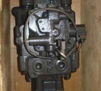 供应小松pc55挖掘机液压泵图片