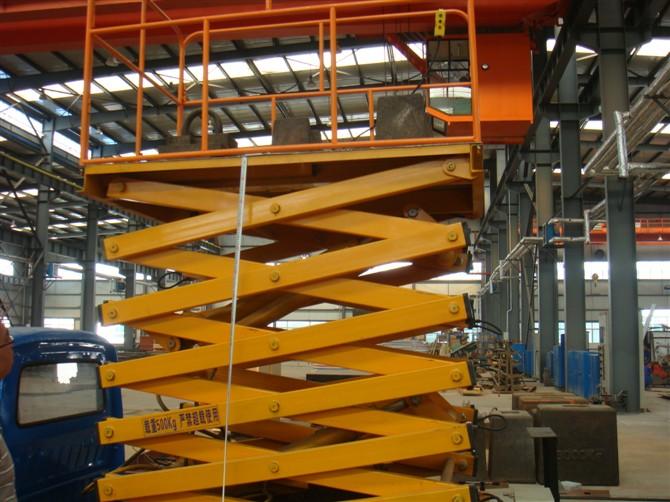 货梯滑道设计图