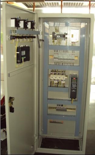 停止备用泵,以维持出口压力恒定,当变频控制电路出现故障时,可切换至