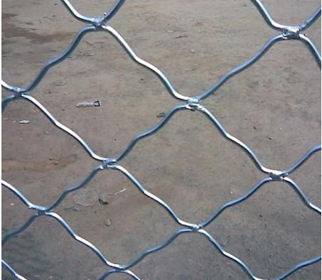 铝镁合金丝或不锈钢丝编织而成产品可以分为:不锈钢美格网,铁铝美格网