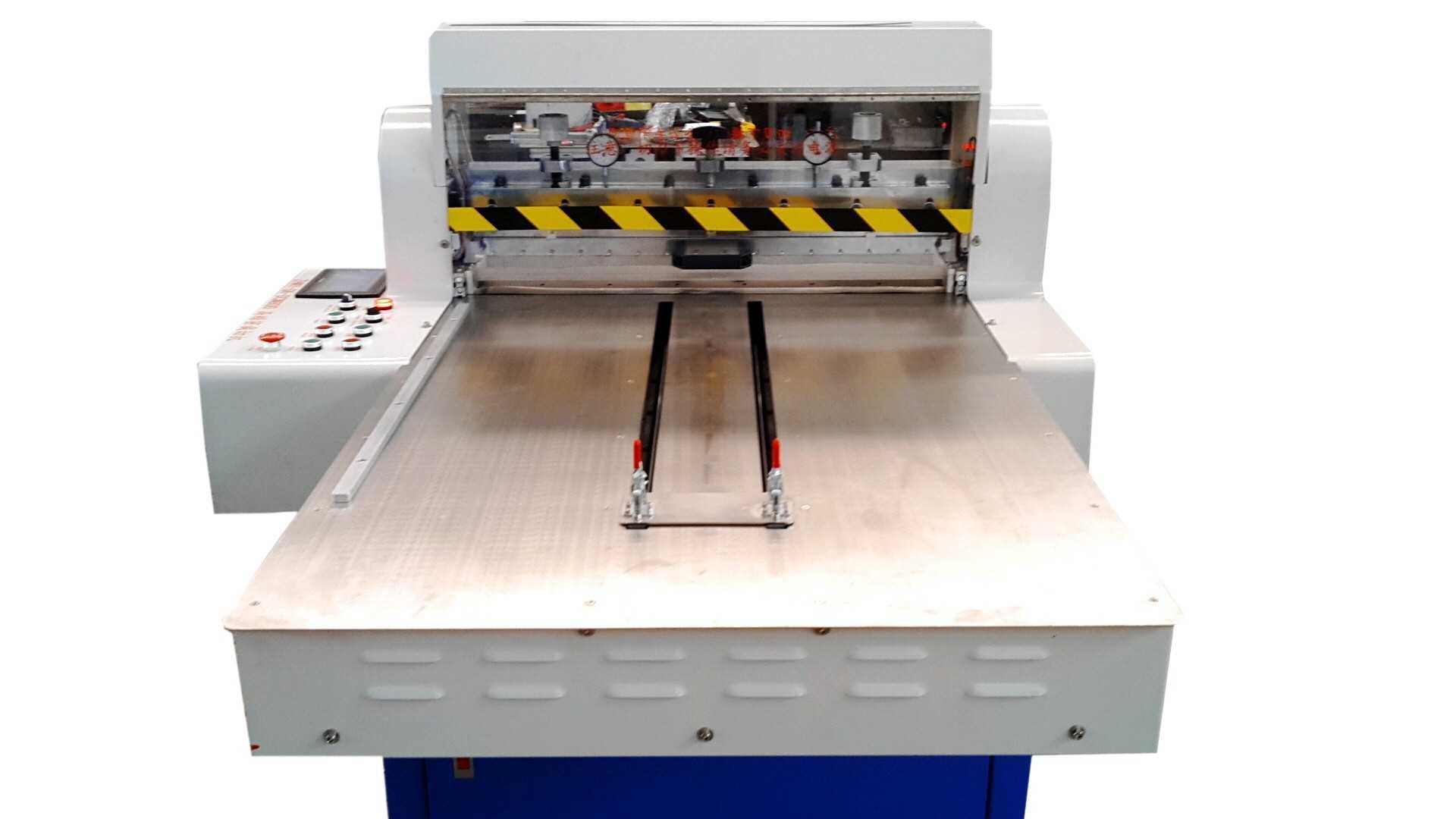 深圳自动硅橡胶切条机数控裁切机公司图片
