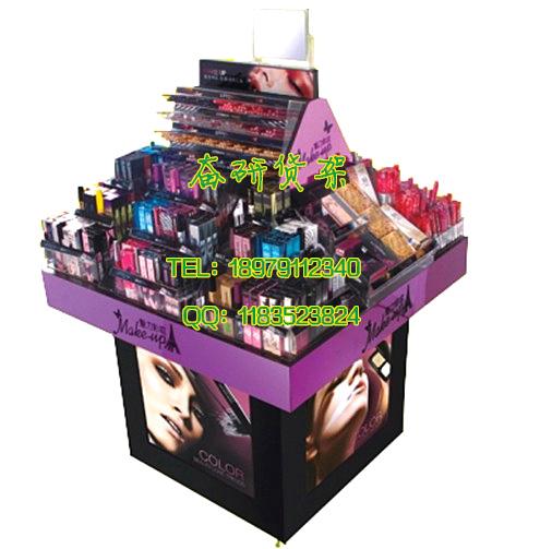 一套女人的最爱化妆品店装修效果图