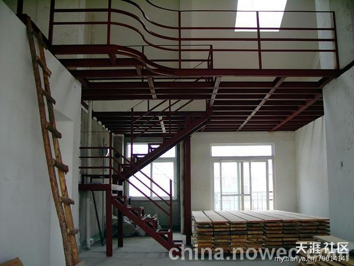北京昌盛钢结构工程有限公司专业从事户型改造设计,阁楼装修。做阁楼夹层,现浇混凝土阁楼、钢结构加层(隔层)搭建,钢结构阁楼施工、楼梯。复式、厂房、底商、室内夹层(加层)的设计及施工,结构改造设计及施工,钢结构阁楼制作及安装,公司特聘国内知名专家为技术顾问,具有丰富的改造加固工程施工经验,公司具有建设部颁发相关资质,以全市同行业惠价格承揽相关工程.