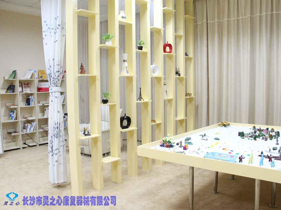 好玩的心理沙具心理游戏器材 心理咨询室图片