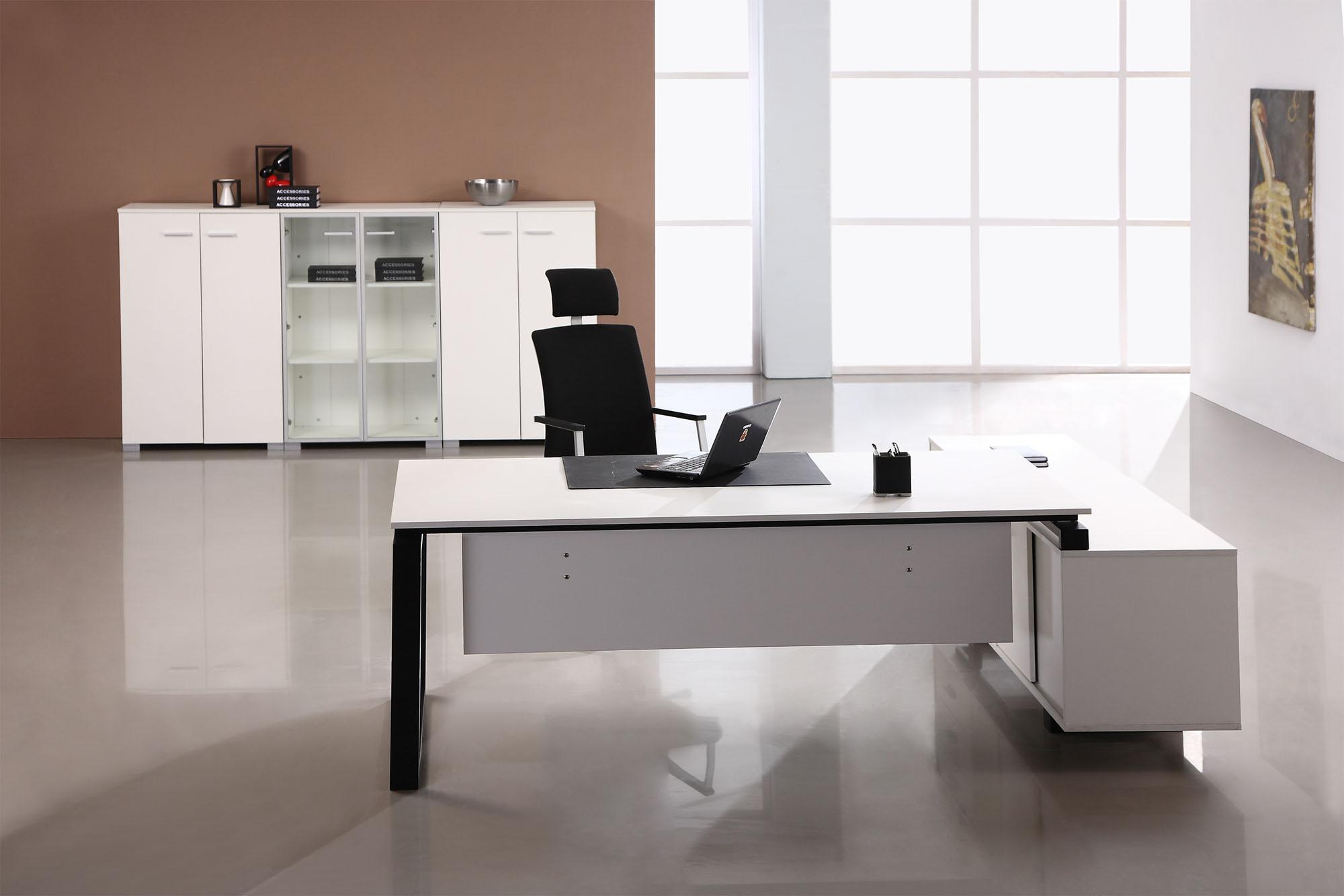 厦门办公桌哪里卖的比较好材质好图片