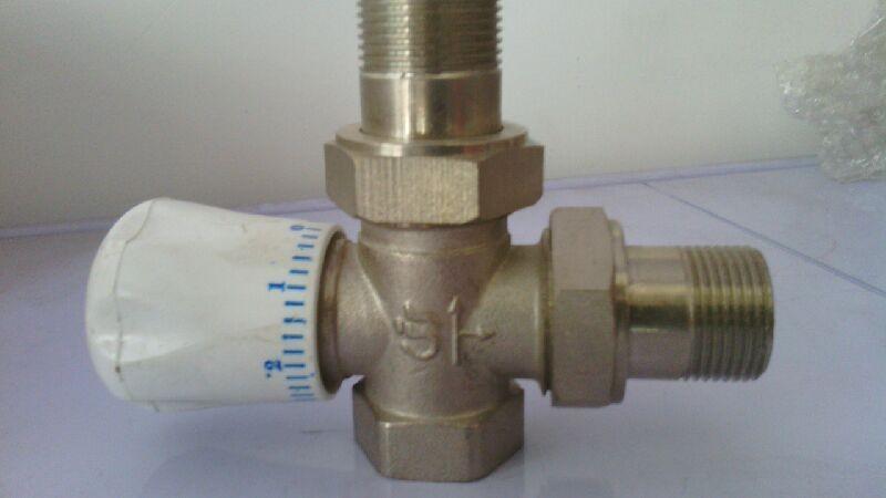 电动温控阀是在暖通空调等温度控制领域的典型应用.图片