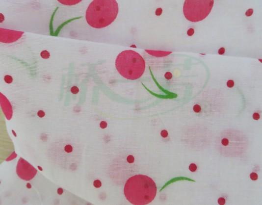 婴儿罩衣纱布,清新白底印花纱布,各色字母花型点缀