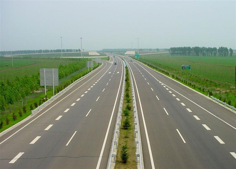 河南周口波形护栏板高速公路防撞护栏生产