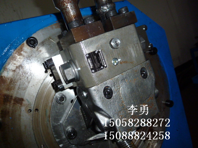 牧场料车液压系统维修图片