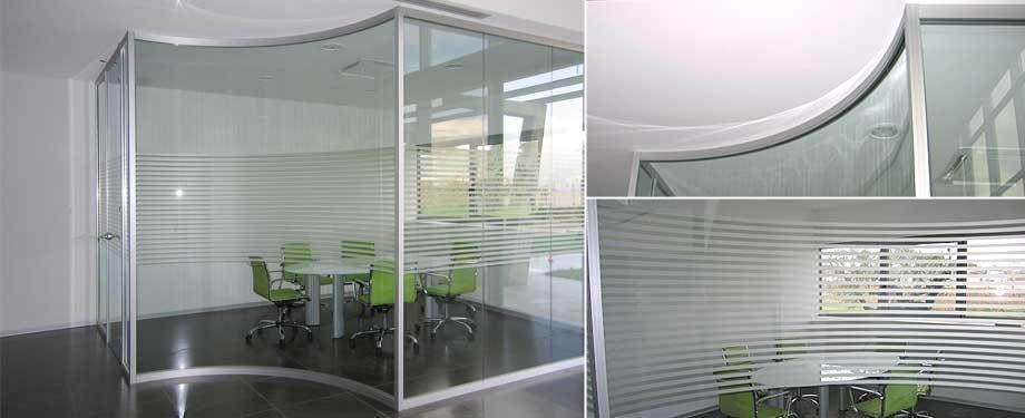 公司主营玻璃幕墙,玻璃隔断,钢结构雨棚及各种自动门,旋转门,推拉门