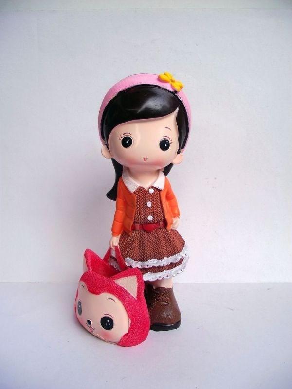 娃娃思考图片可爱