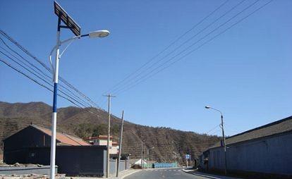 请问太阳能路灯怎么安装线路怎么接图片