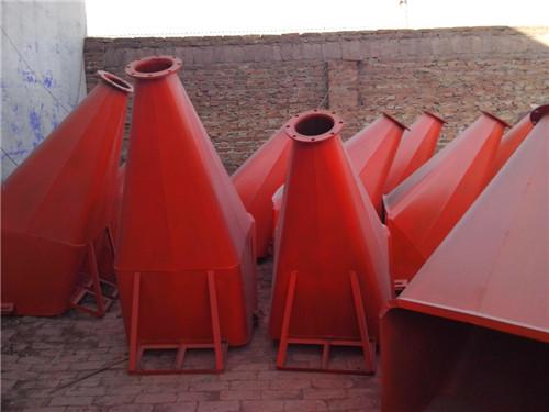 流槽型塔吊料斗图片