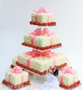 定制的婚礼蛋糕不仅造型多样,而且还非常的大气,也有越来越多的人选择图片