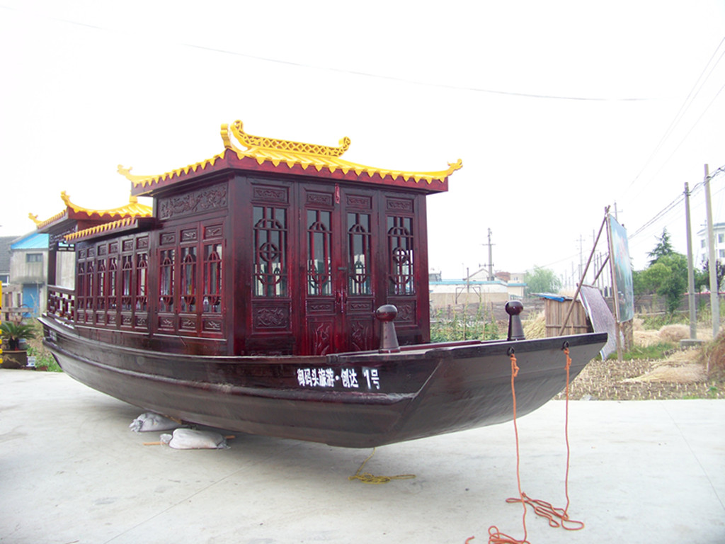 广泰木船专业从事木船设计制造,从船型设计到选购材料,工艺开发