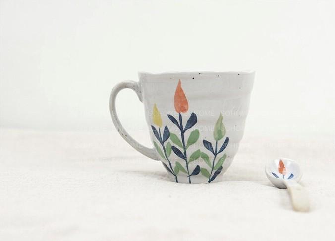 手绘彩陶瓷养生茶杯和风礼盒包装带把手杯子釉下彩暖手梯型水杯
