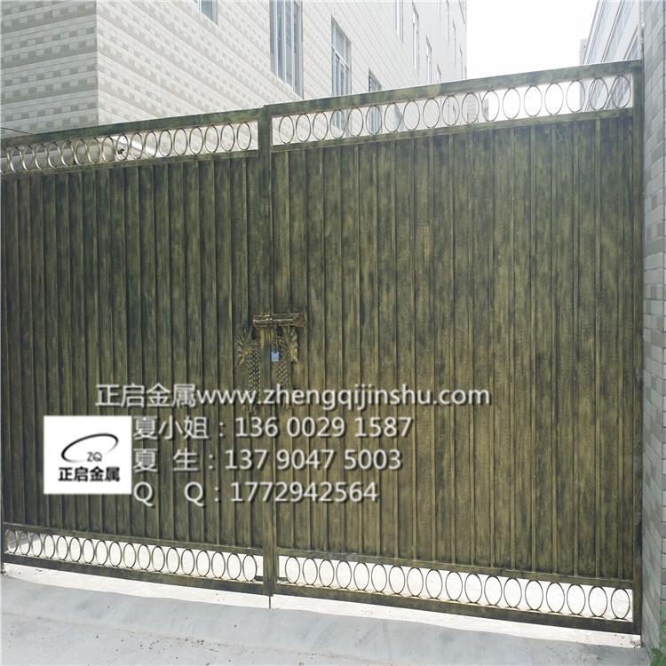 做铁艺大门要看你的门有多大来选用边匡方管,一般用40*60*2的锻打压花