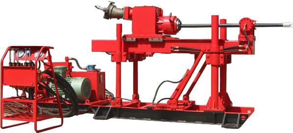 钻机配有液压卡盘及液压给进油缸.图片