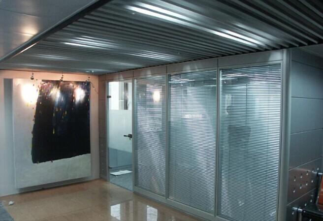 供应南京新颖时尚办公玻璃隔断