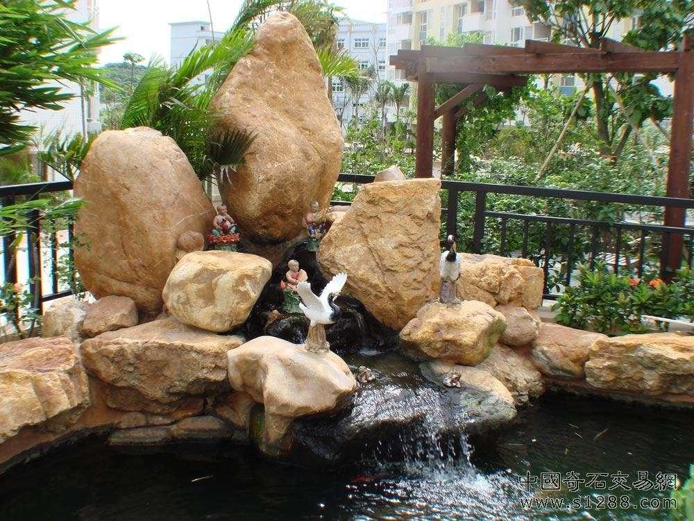 欧式别墅假山池塘景观