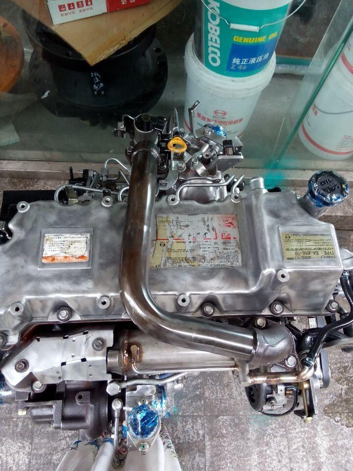 云南普洱神钢挖掘机专业维修站图片