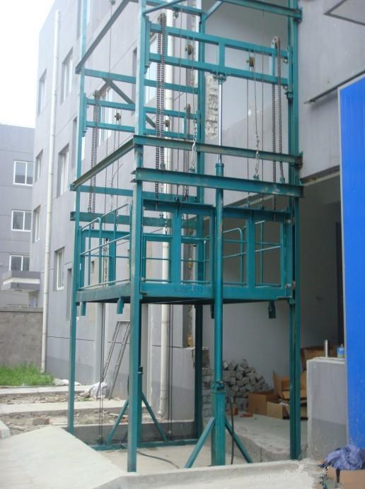 山东液压载货电梯图片