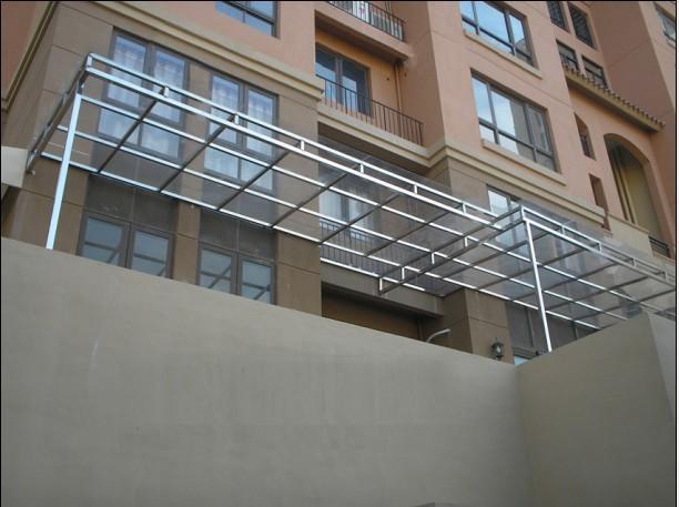 钢结构玻璃雨棚厂家弯玻璃雨棚价格江门不锈钢架子玻璃雨棚