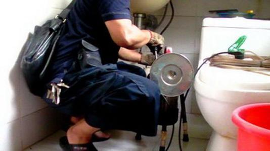 疏通地漏,疏通管道,改独立下水管道 (2)修理各种马桶,高低水箱,阀门图片