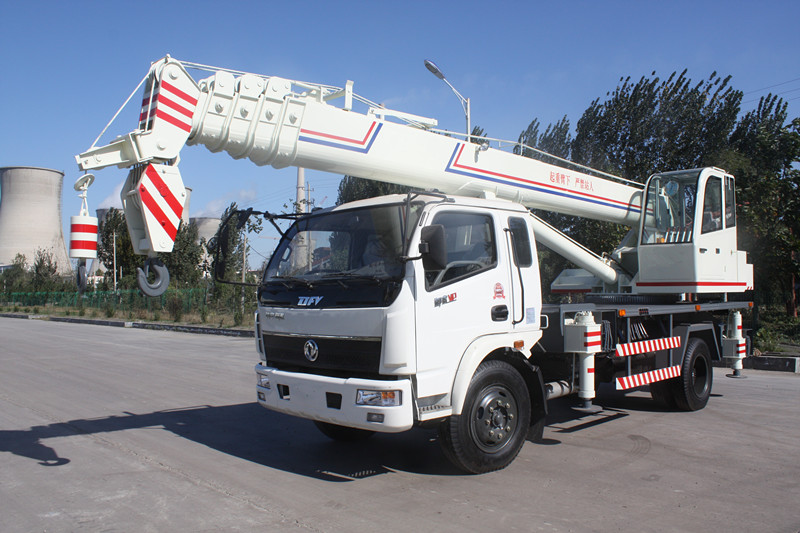 液压小吊车 使用12吨汽车吊 12吨汽车吊结构合理 操作简单