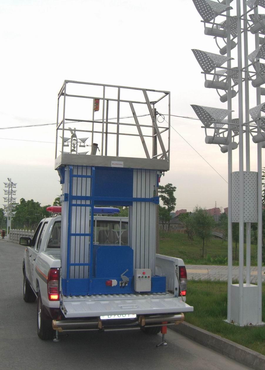 河南升降机哪家好郑州升降货梯开封升降机洛阳液压升降货梯图片