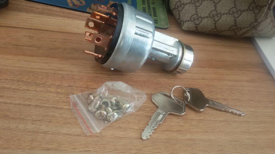 4,电器件:电脑板,工作灯,仪表盘,钥匙开关,起动机,发电机,压缩机