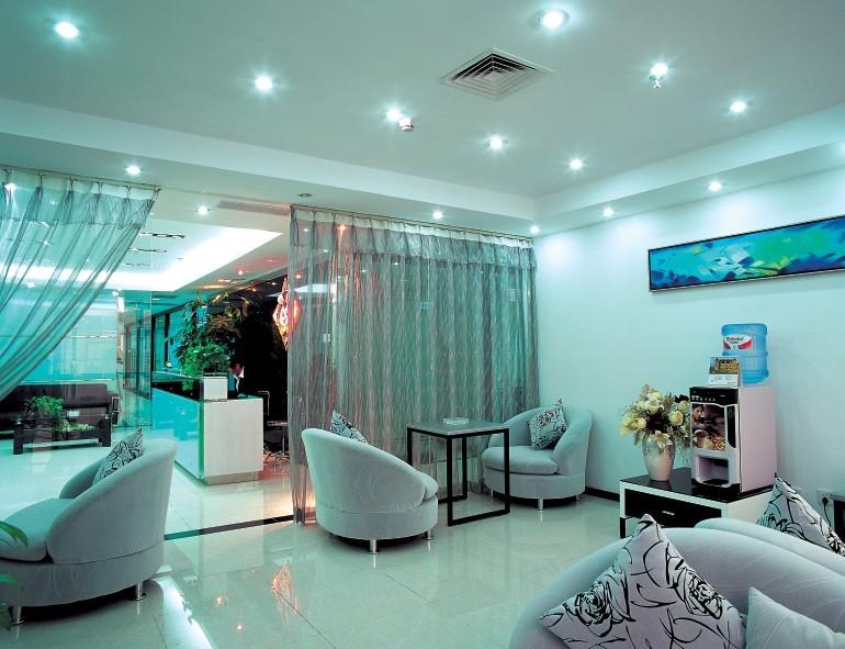 深圳创友孵化器连锁有限公司为您提供小型办公室出租,房型多选择,均