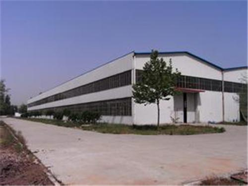 钢结构为确保达到保温效果,在建筑物的外墙和屋面中使用的保温隔热