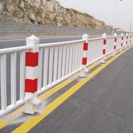 白色桃型柱护栏网京式护栏市政护栏