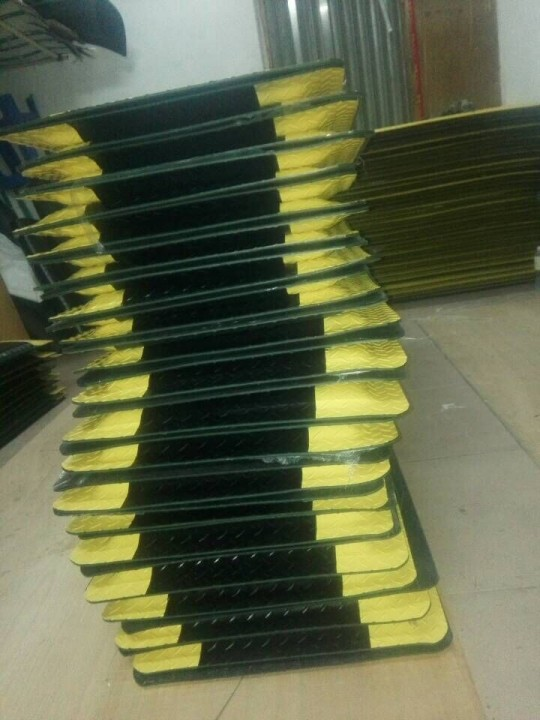 抗疲劳地垫正确使用方法导电脚垫新材料防静电桌垫无味