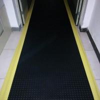 防静电地垫正确接接地线方法|配电室防静电胶垫铺设