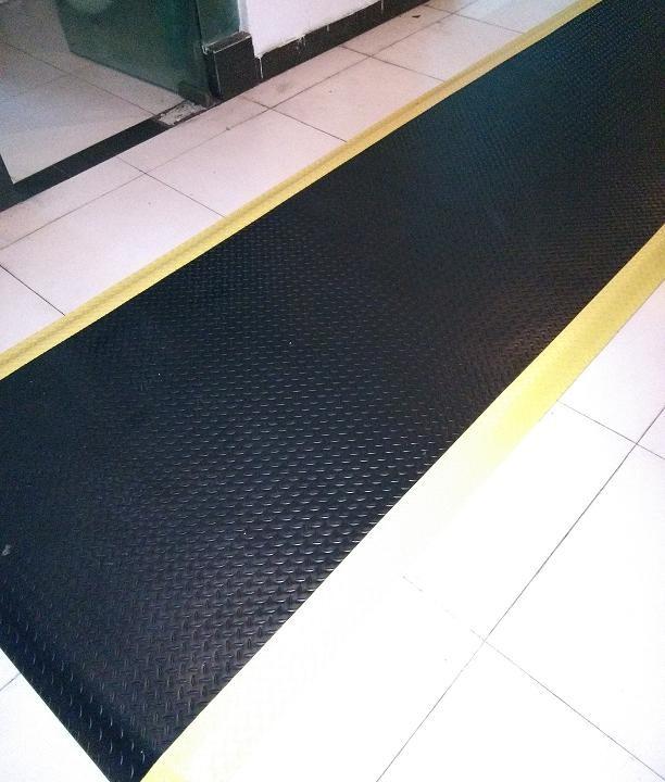 5mm防静电地垫20MM抗疲劳胶垫龙之净减震抗疲脚垫