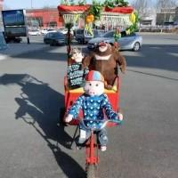 河南郑州坤虎游乐供应机器人猴子拉车蹬车游乐设备