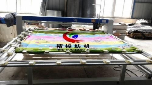 电脑花型引被机规格图片     耐用的棉被绗缝机厂家